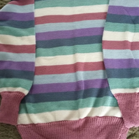 Striped cotton jumper in pastel colours.
