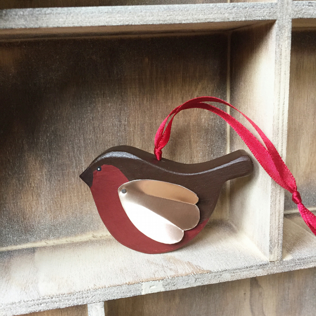 Handmade Wooden Robin Redbreast Decoration