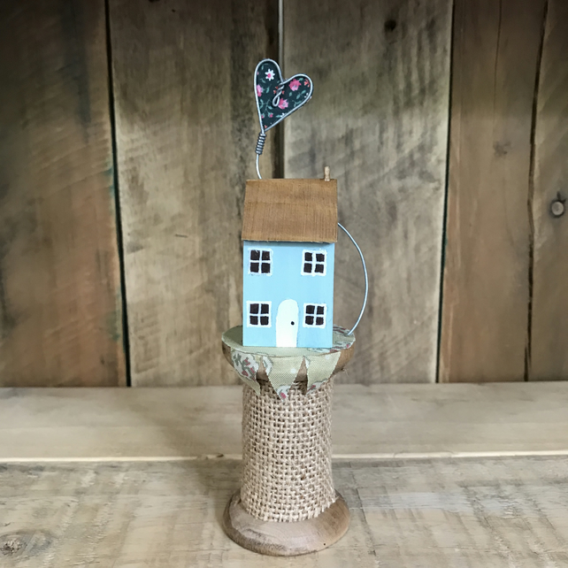 Cottage on Bobbin with vintage heart
