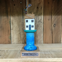Cottage on Bobbin with kite Home Gift