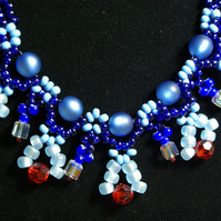 Lustre in Blue
