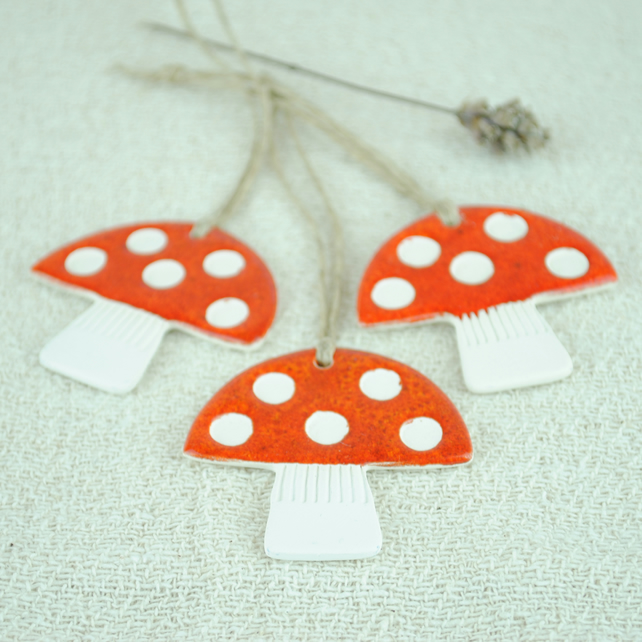 Ceramic Toadstool Decorations (Set of Three)