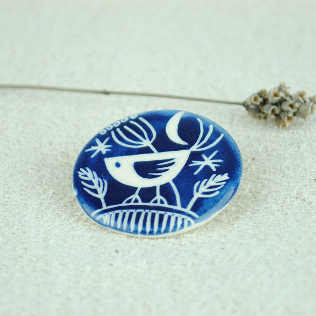 Round Ceramic Bird Brooch (Dark Blue)