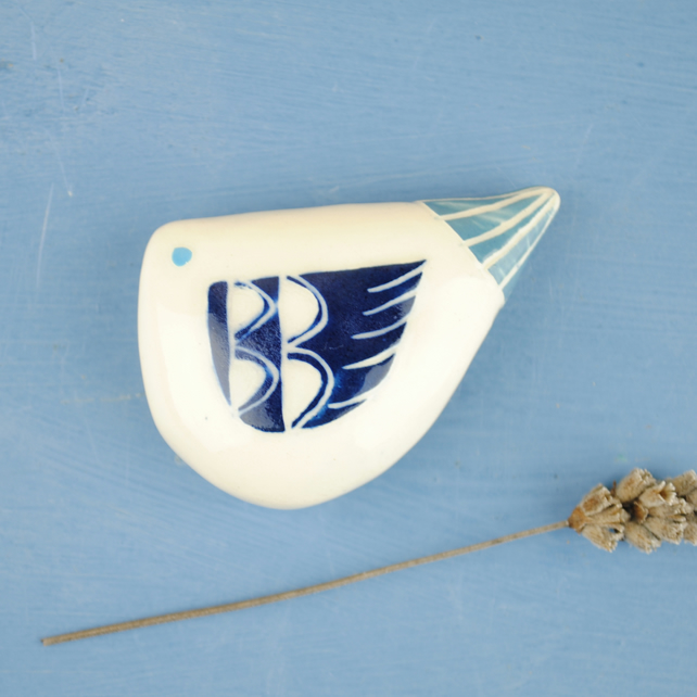 Pebble Bird (Dark blue wing)
