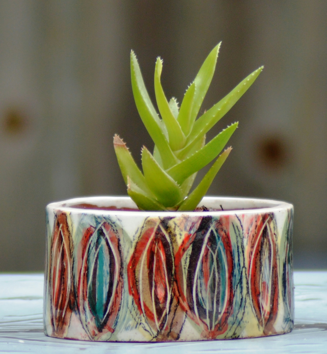 Ceramic Carnival-Pattern planter