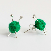 Knitting Ear studs - Green wool and knitting needles
