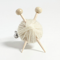 White Knitter's Brooch - Yarn and Needles