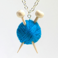 Blue Knitter's Necklace - Yarn and needles