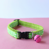 "Felt Handprinted Cat Collar ""Jungle Circuit on Green"""