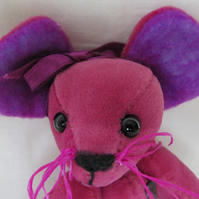 "MIA - 4"" Deep Pink Mouse"