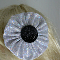 Silver hologram yo yo hair clip with black button
