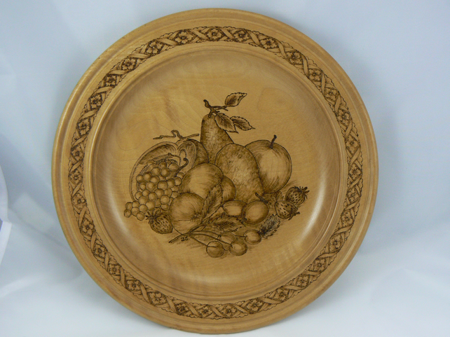 Pyrography fruit plate