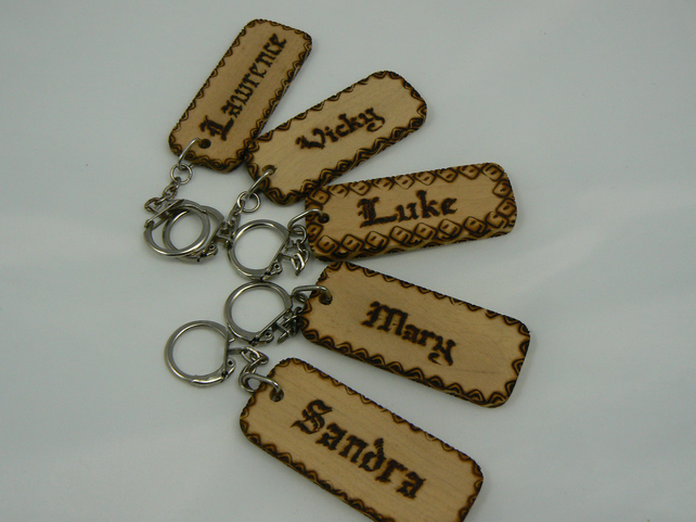 wooden keyring with name (pyrographed)