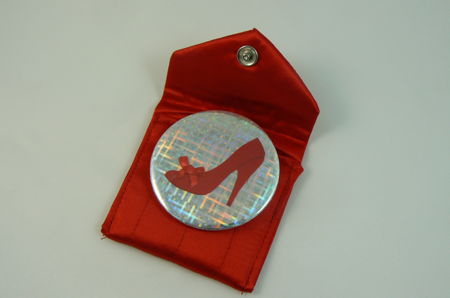 Red shoe pocket mirror with pouch
