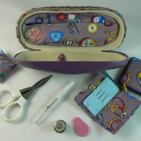 Sewing case with accessories (lilac)
