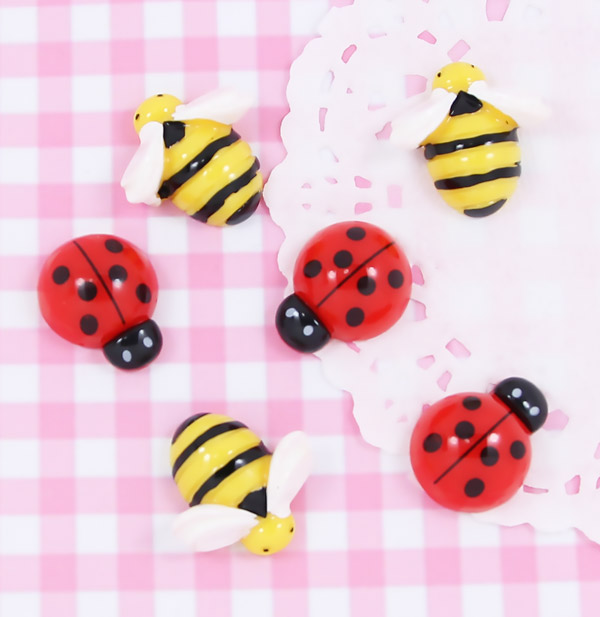 6 x SPRINGTIME Ladybug & Bee Flatback Cabochon Embellishments DIY Kawaii Craft