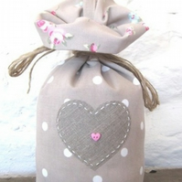 Taupe Dotty and Rosebud Door Stop with Applique Linen Heart