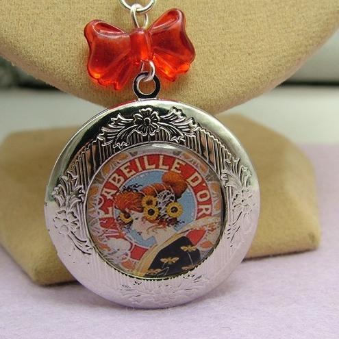 Vintage French Advertisement Locket
