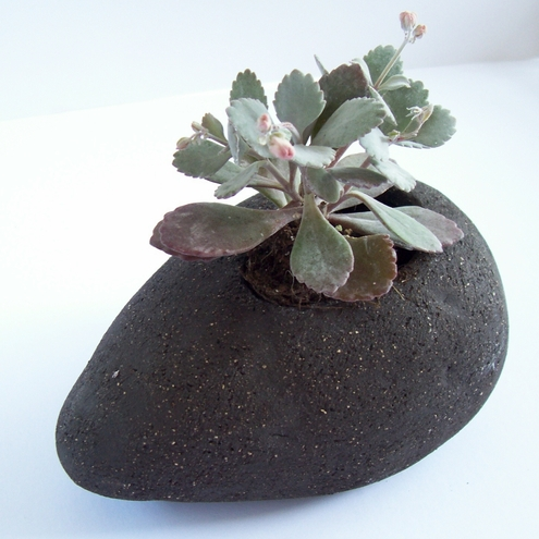 Black clay stone planter