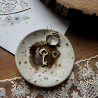 Ceramic wedding ring bowl with vintage porcelain key