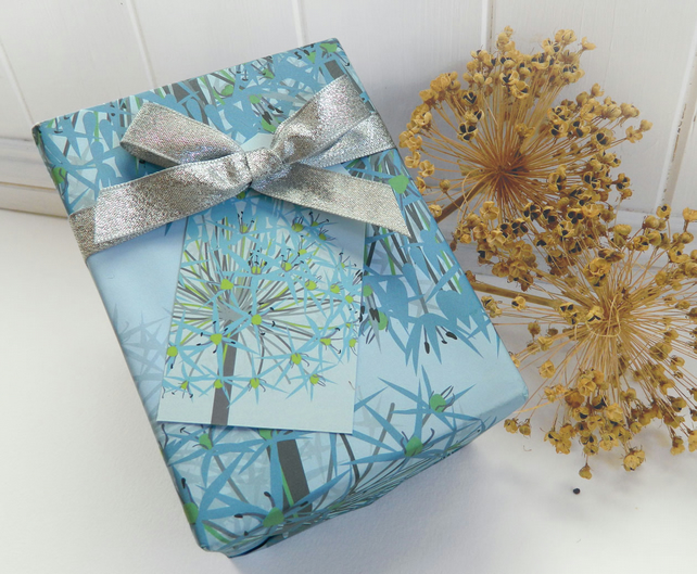 Winter Allium Christmas Gift Wrapping Paper Set