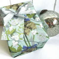 Mistletoe Christmas Gift Wrapping Paper Set