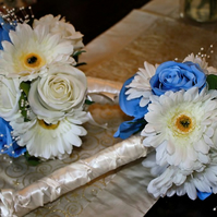 Rose and gerbera bridesmaid bouquet