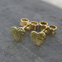 Heart stud earrings -18 carat gold