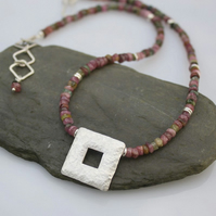 Silver and tourmaline necklace Quadrat