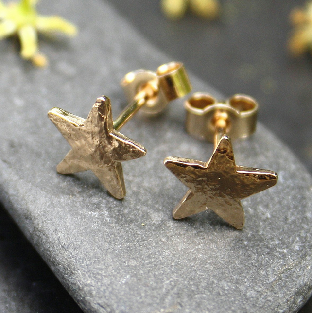 Gold Star stud earrings 9ct