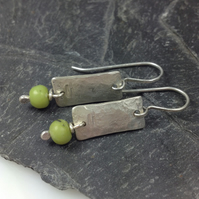 Silver and chrysoprase Notched earrings
