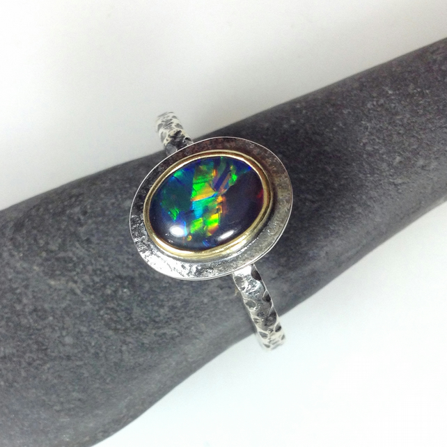 silver 18ct gold and natural black opal triplet ring UK size P
