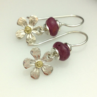 Silver daisy earrings with 18ct gold and rubies