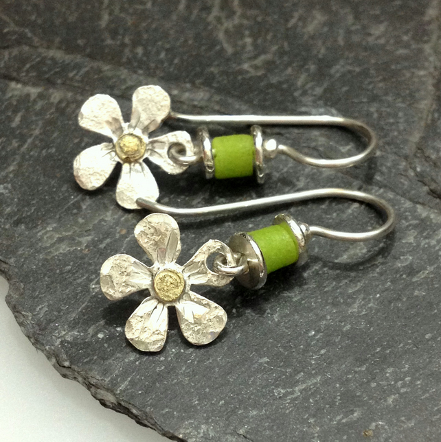 Sterling silver flower earrings with 18ct gold centres and chartreuse beads
