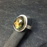 Sterling silver, 18ct gold and labradorite  Polki ring size UK P
