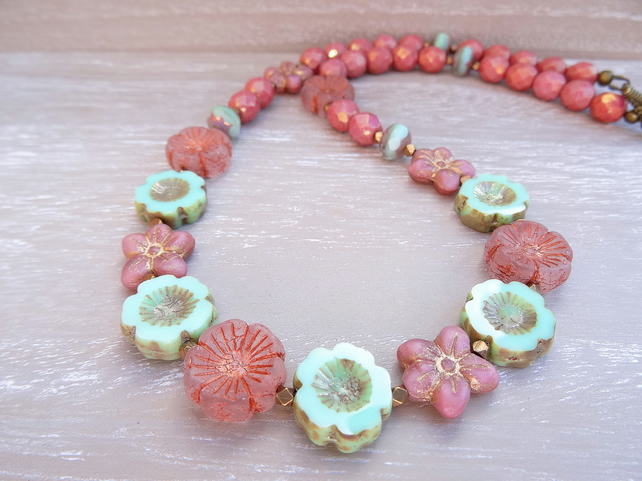 Flower necklace, Daisy necklace, Czech Glass necklace, Mint and Rose  Necklace,