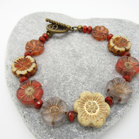 Flower Bracelet, Czech Glass Bracelet, Pansy Bracelet, Beaded Bracelet.