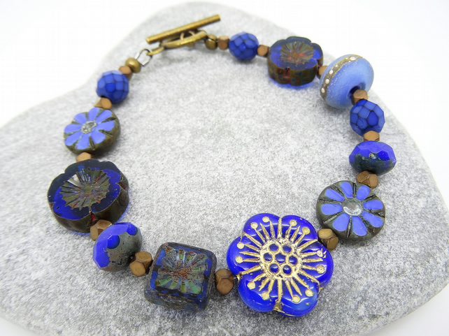 Cobalt and Cornflower Blue Bracelet, Czech Glass Bracelet, Lampwork Bracelet.