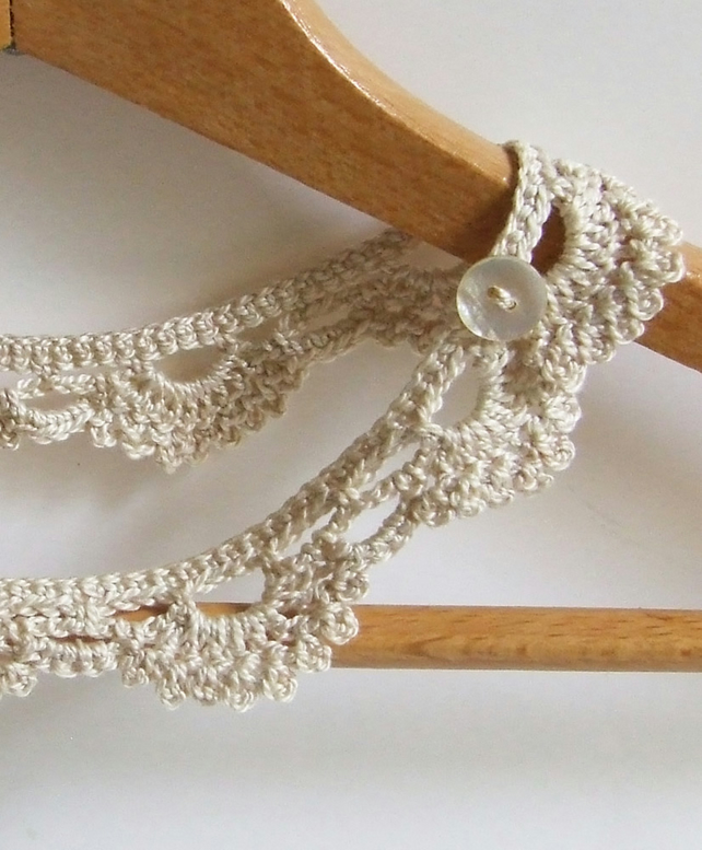 shortbread crochet necklace