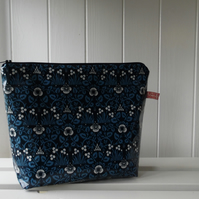 William Morris Eyebright Print Large Cosmetic Bag