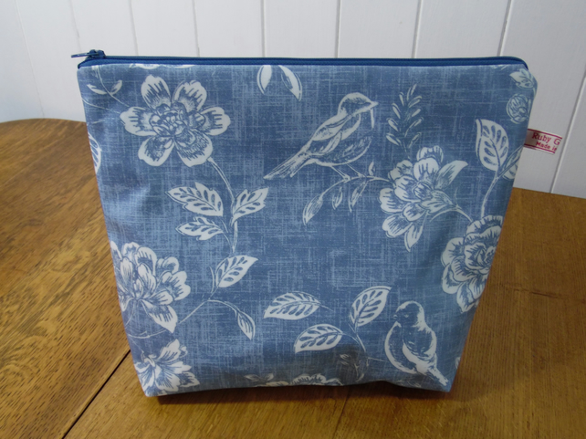 Blue Floral Print Oilcloth Ex-Large Toiletry Ba... - Folksy