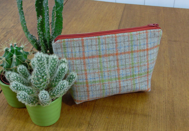 Little Wool Make Up Bag-Check Orange & Green Wool  Acrylic Oilcloth ter.zip