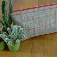 Check Wool Weave Toiletry Cosmetic Bag-acrylic oilcloth lining