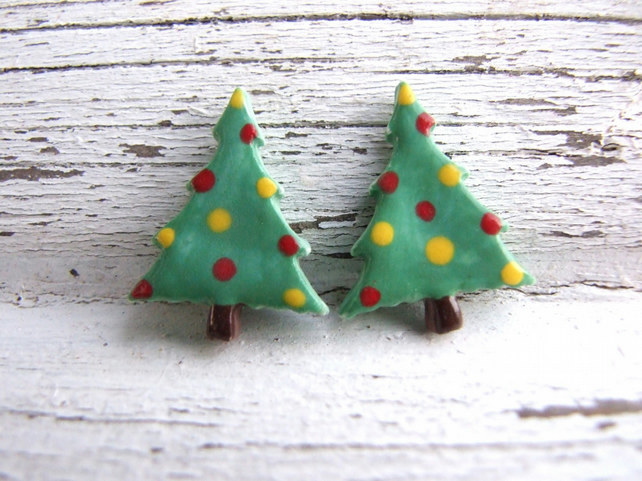 Christmas Tree earrings, green polka dot, ceramic stud posts