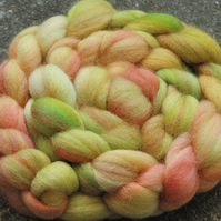 """Spring Excitement"" MHE Falkland Spinning Fibre 105g"