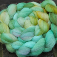 """Dreams by Candlelight"" MHE Falkland Spinning Fibre 105g"