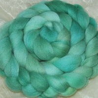 """Trucalyptus Soft and Soothing"" MHE Falkland Spinning Fibre 115g"