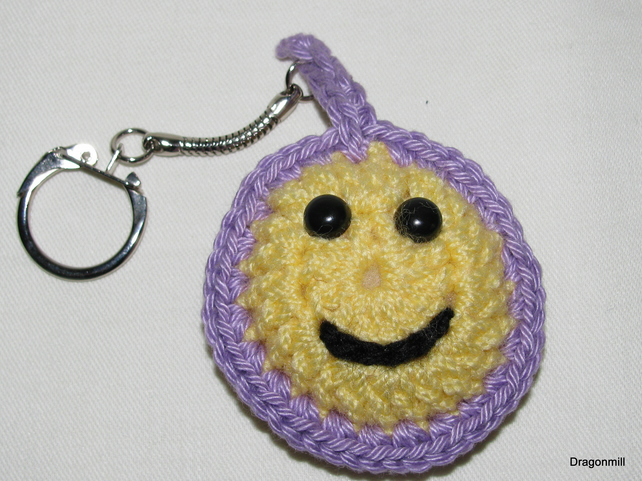 Crochet Smiley Keyring with Lilac Border