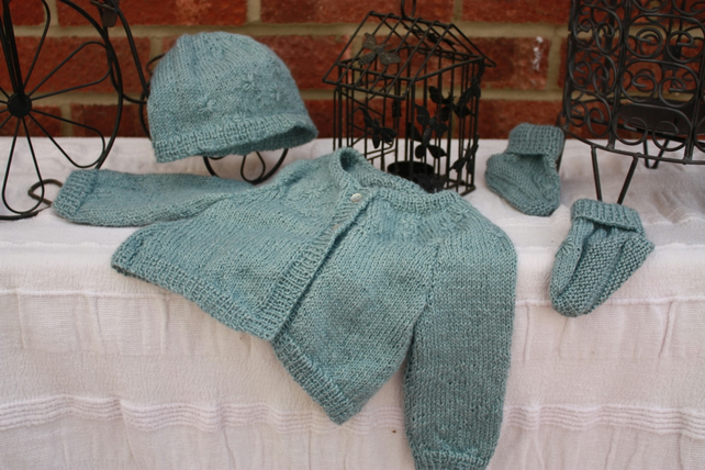 Silk-Alpaca mix baby coat, hat and bootees - very very soft! New Baby