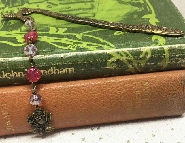 Hummingbird and rose beaded bookmark